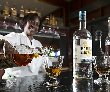 rum tasting - bar photography