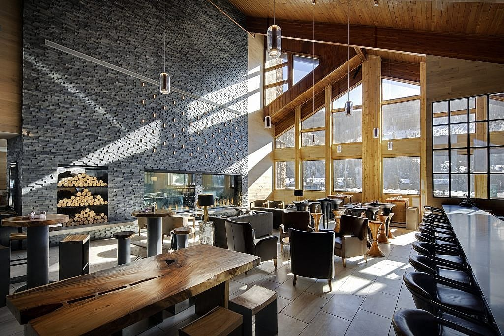 Image of the open plan bar and restaurant at the new DoubleTree Vail in Colorado. Snow ski resort in the winter and outdoor adventure destination in the summer.